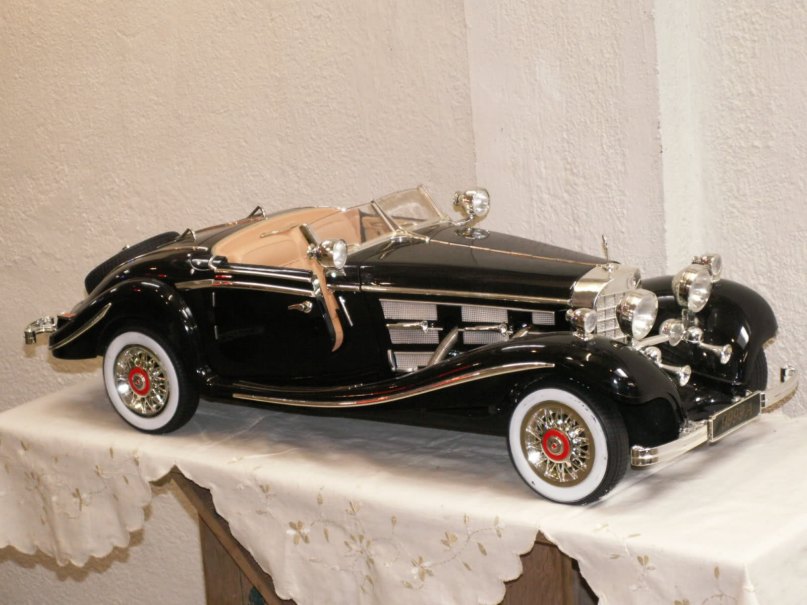 Mercedes Benz 6 scale